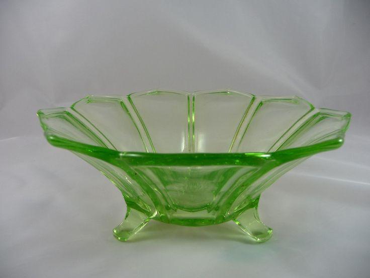 Vintage Schalen - Schale, Glasschale, Obstschale, zartgrün - ein Designerstück von Glasprinzessin-Martina bei DaWanda