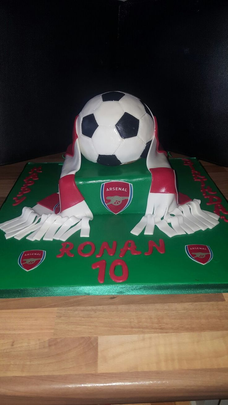 Football arsenal cake for my son !
