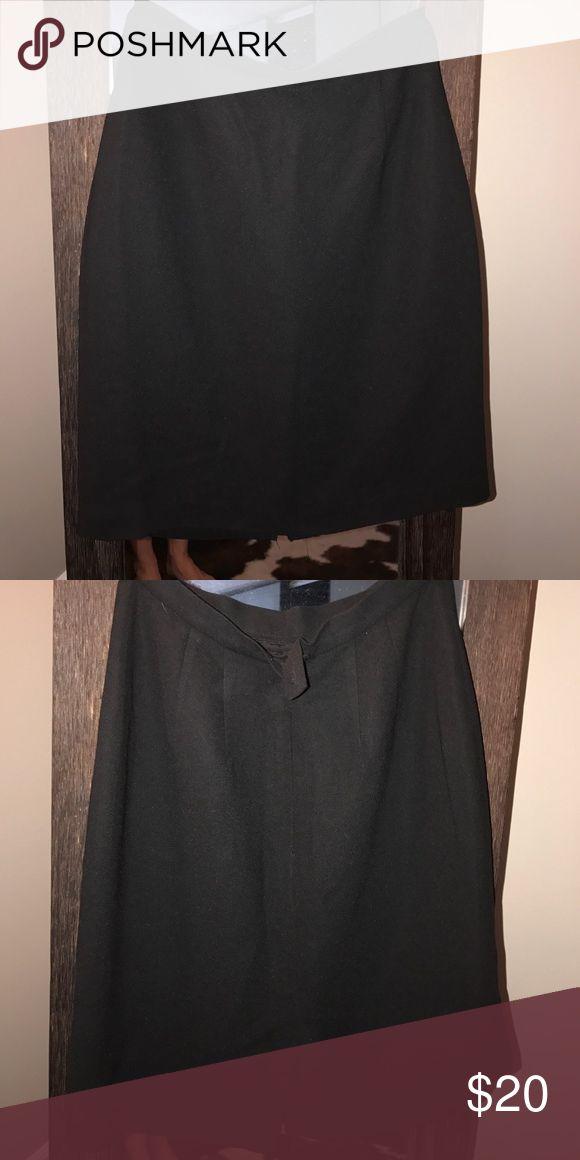 Black skirt Casual Corner black skirt. EUC fully lined casual corner Skirts Pencil