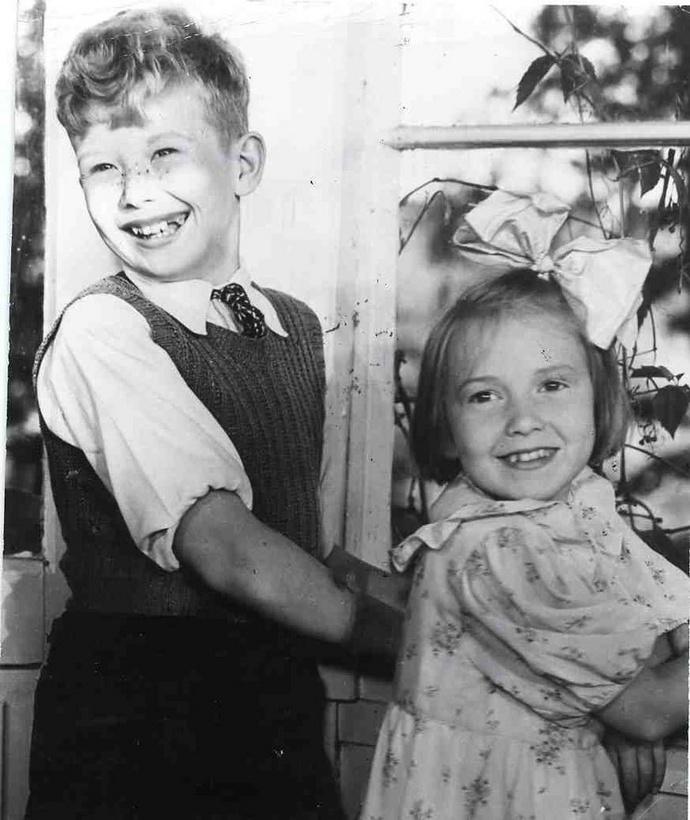 Näyttelijälegenda lopettaa * Näyttelijälegenda Lasse Pöysti pohti pitkään uransa lopettamista. --- (Olisi kiva nahda joskus uudestaan noi ikivanhat elokuvat Suomisen perheesta..)