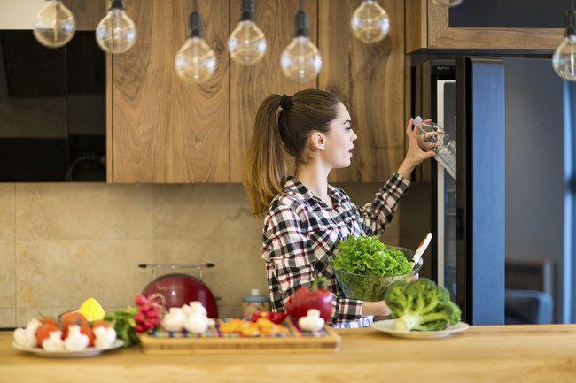 """Du kommst vom Einkaufen zurück und denkst dir: """"Am besten alle Lebensmittel in den Kühlschrank. Egal wohin. Soll ja alles lange frisch bleiben..."""
