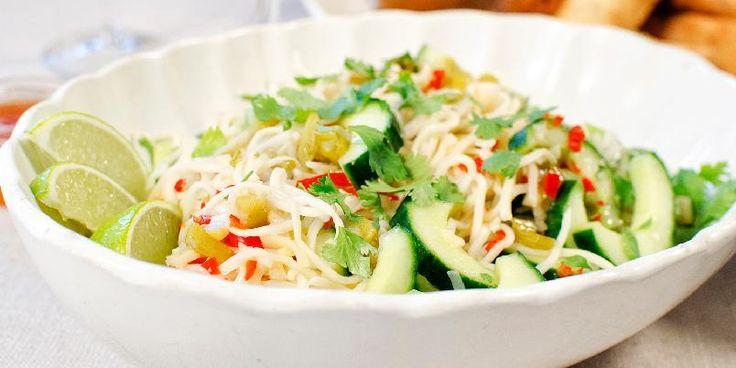 Nudelsalat med agurk og koriander