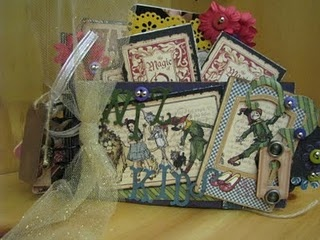 Beautiful Graphic 45 Wizard of Oz mini book!