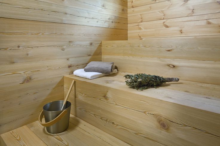 Sauna made of larch. Honka Lumi.