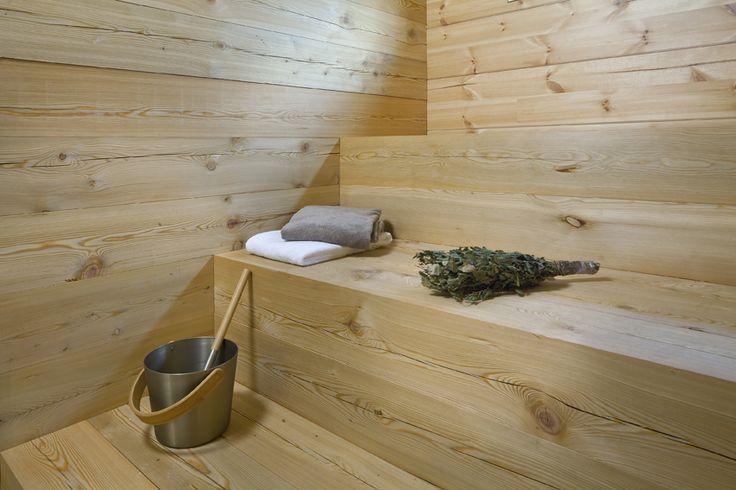 Sauna made of larch. Honka Lumi.