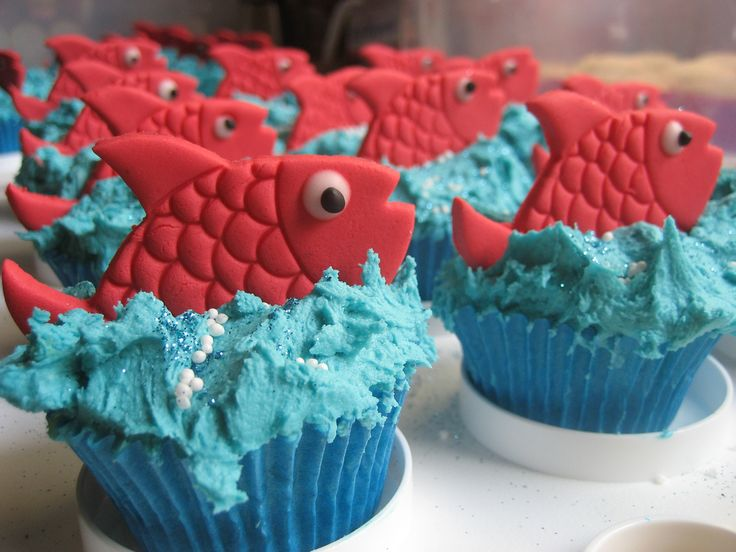 http://mydigital-mind.hubpages.com/hub/Fun-Family-Project-Cupcake-Decorating