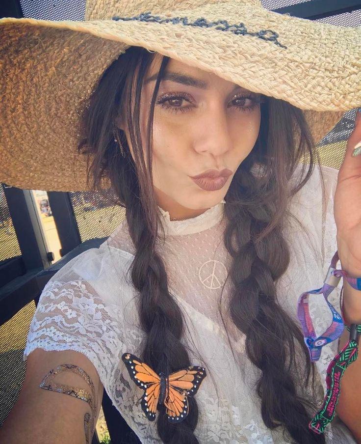 Vanessa Hudgens' selfie