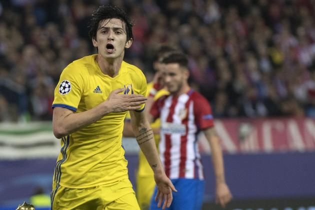 #rumors  Liverpool FC transfer news: Reds lining up move for the 'Iranian Messi' Sardar Azmoun - WATCH his best bits