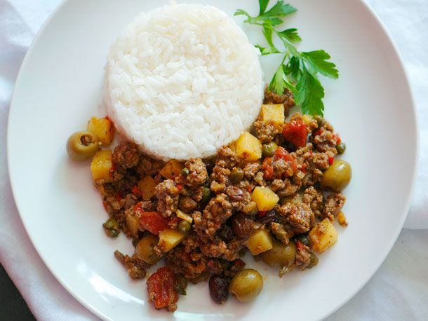 Cuban Picadillo...one of the things I miss about Miami.  Will have to try with ground turkey.