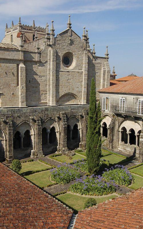 Interior de la #Catedral de #Tui, #Galicia