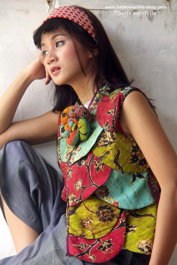 Batik Amarillis's Les Belles Plumes ... ♥ Batik Amarillis's petit Plume  Vest in hand drawn batik wonogiren of Indonesia  ♥ ..this super unique collection is uniquely & meticulously hand crafted individually ,features over lapping patchwork that looks like multi color Feather.