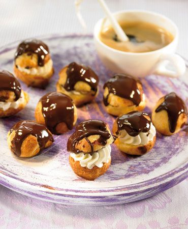 Profiteroles > French recipes > - > Delicooks. I'm so making this for my French final