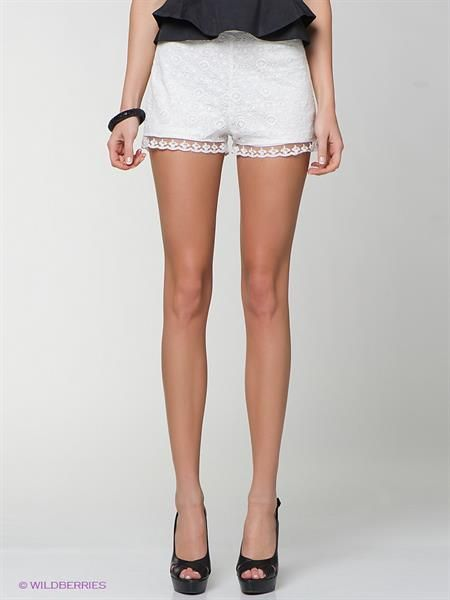 Белые короткие шорты фото