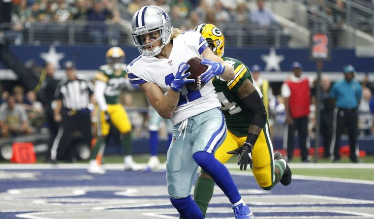 Cole Beasley scores twice, Mason Crosby misses two PATs as Cowboys lead 21-12