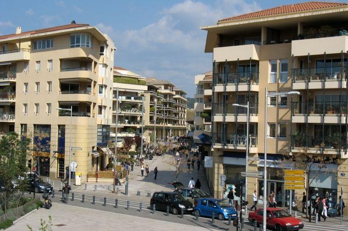 #Mieszkanie w małym czy dużym mieście? http://www.ihouse.pl/news/detal/mieszkanie-w-malym-czy-duzym-miescie-co-wybrac/211/1