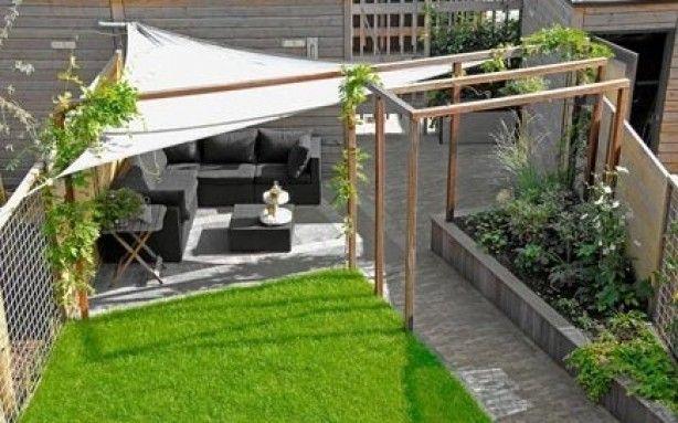 strak vormgegeven moderne achtertuin