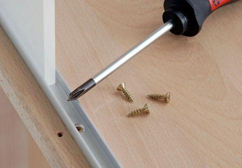 badschrank hoch schiebet r bauen dachschr ge und schr nkchen. Black Bedroom Furniture Sets. Home Design Ideas