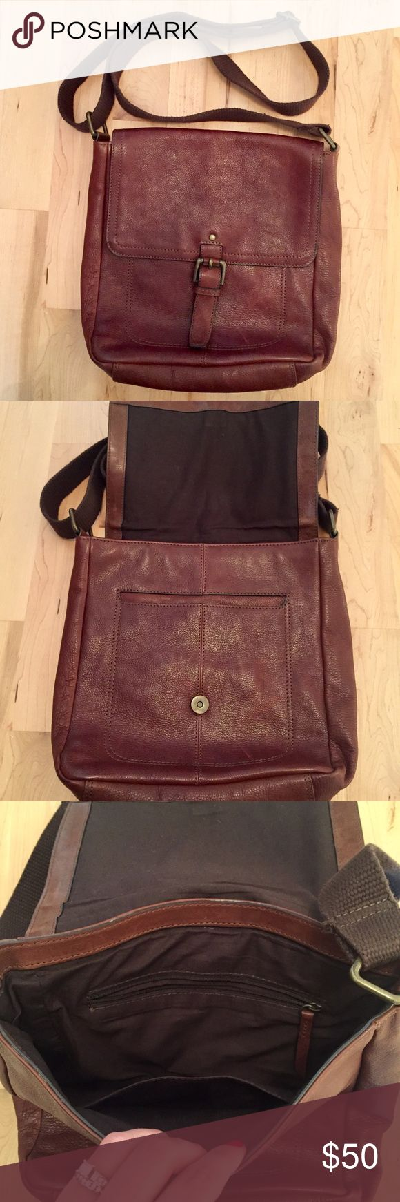Marks & Spencer leather crossbody purse Marks & Spencer leather crossbody purse! 2 exterior pockets. 2 interior pockets. Adjustable strap. In great condition! Marks & Spencer Bags Crossbody Bags
