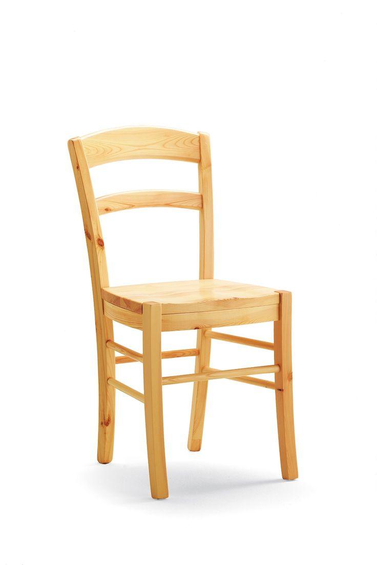 Sedia modello Paesana con seduta in legno - costruita interamente in pino massiccio.  Solid pine wood chair. #chair #design #naturalwood #madeinitaly #solidwood  www.demarmobili.it