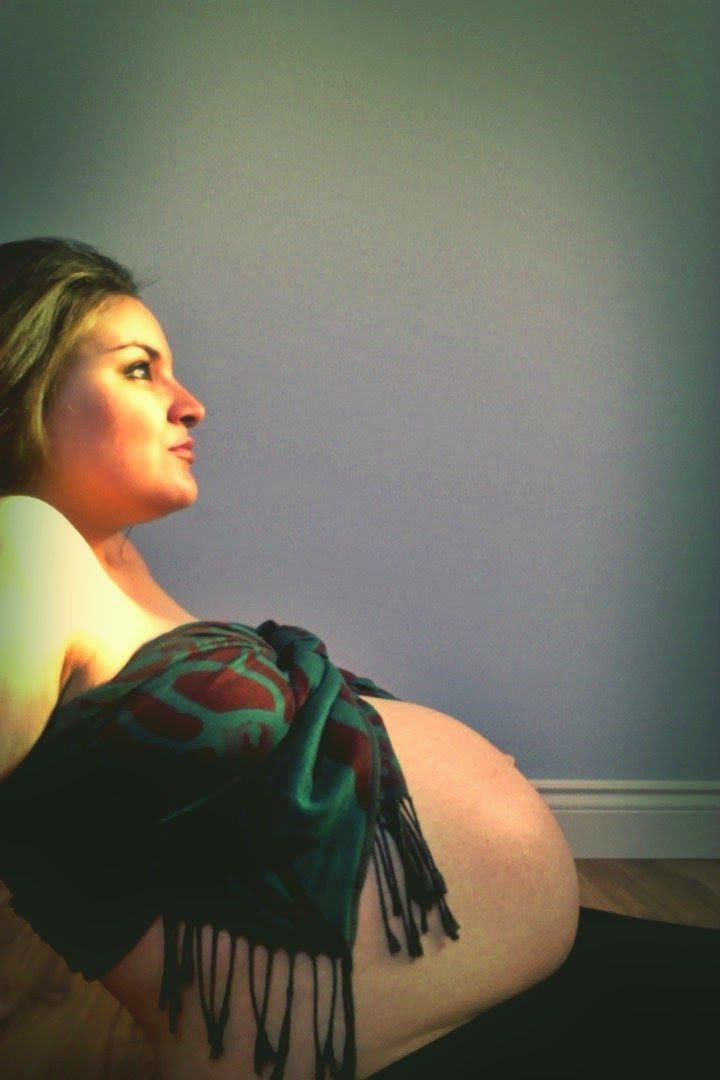 34 Weeks Maternity Photos! Pregnant baby bump photo I took & edited myself. Click to see more!!