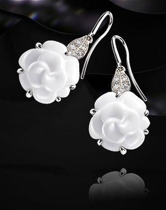 Chanel gorgeous earrings   More bling here: http://mylusciouslife.com/photo-galleries/bling-fling/