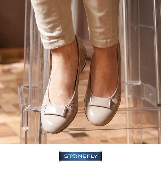 Comode, eleganti, versatili... sono le nuove ballerine Maggie di #Stonefly, in pelle scamosciata a motivo traforato e dettagli in vernice: perfette per andare in ufficio ma anche per un aperitivo chic con le amiche! http://www.stonefly.it/it/2/collezione/donna/581/maggie-2.html