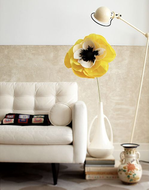 Bring Life To Your Bare Living Room Space With This Adorably Large, Paper  Sunflower Decor