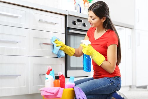 Spring Cleaning http://www.springcleaning.com.sg/articles/spring-cleaning-before-selling-your-house.html