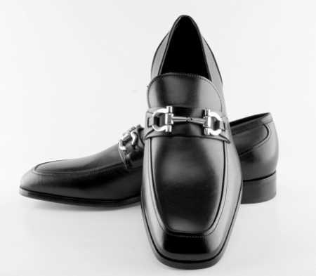 Zapatos para papá, ¡regala en el Día del Padre!  Calzado Bucaramanga trae gran variedad de #calzado para todos los #estilos de padre. www.calzadobucaramanga.com
