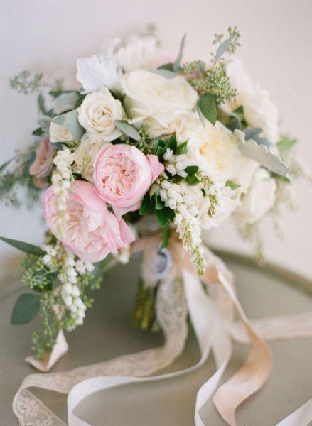 50 ramos de noiva 2017 nos quais se deve inspirar para o seu casamento. Dê cor ao seu look com as melhores flores! Image: 32