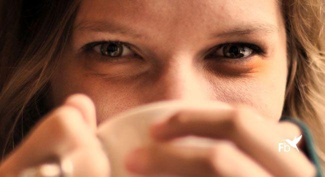 Donkere Kringen Verbergen Met Concealer Make-up