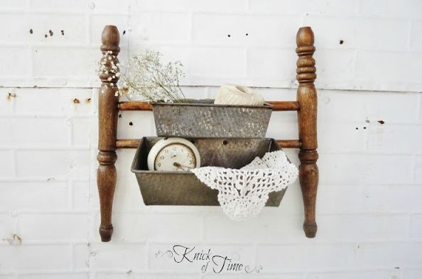 If+all+youre+left+with+is+chair+legs,+hook+bread+pans+onto+them+for+a+cute,+rustic+storage+display. Learn+more+at+Knick+of+Time. - CountryLiving.com: