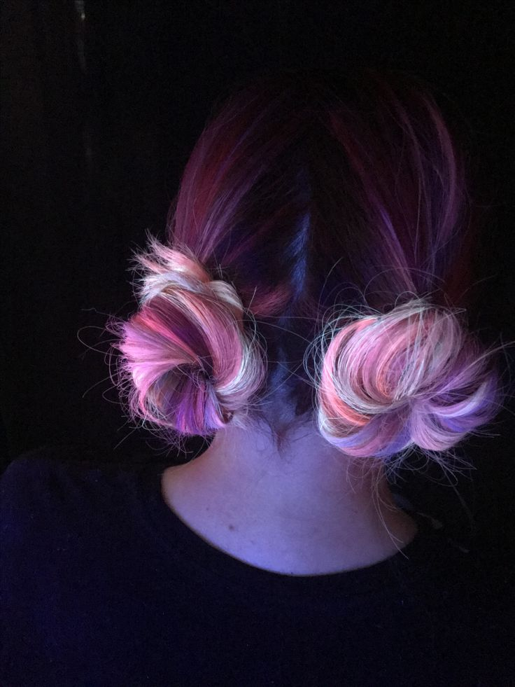 Neon hair Neon electric Pulpriot Buns Space buns
