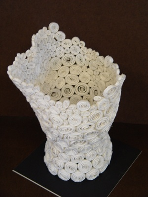 Rolled-up paper vessel