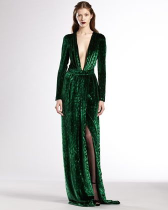 Gucci... to die forVelvet Deep, Emeralds Green, Deep V Neck, Gucci Velvet, V Neck Gowns, Dresses, Deep Vneck, Vneck Gowns, Green Velvet