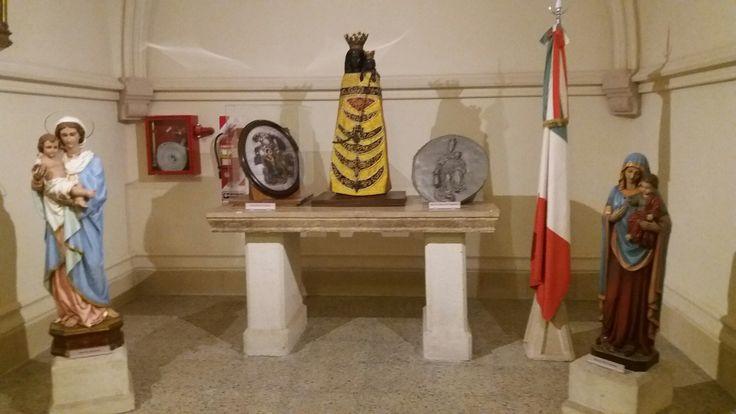 La Virgen en Italia y varias asociaciones