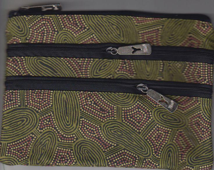 Yijan 3Z Cosmetic Bag Women Travel Dreaming (Green) Artist: Maureen Hudson Nampajimpa Code: YI-COS-3Z-6Green Price: $14.00 or 2 for $26.00