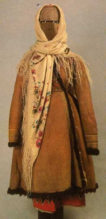 """Women's Costume winter holiday, 2nd floor. 19c. Tula Province. """"Russian folk costume. From the collection of the State Museum of Ethnography of the Peoples of the USSR. Leningdad """"Artist of the RSFSR"""" 1984. """""""