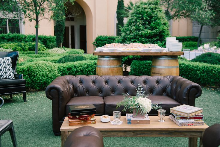 Furniture ideas for an outdoor wedding reception Ivan Diana Photography)