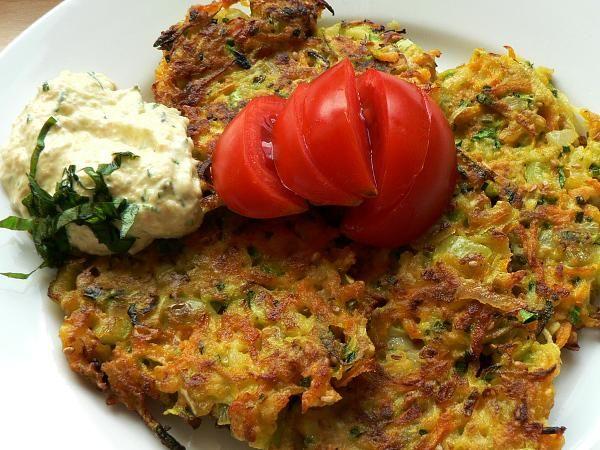 Zeleninové smažienky. Jednoduché zeleninové jedlo voľne inšpirované receptom Jamieho Oliwera.