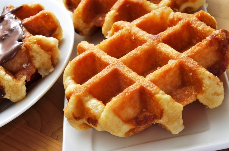 If there's an 'it' food right now, the Belgian waffle takes the title. So where should you bring your family for a fix?