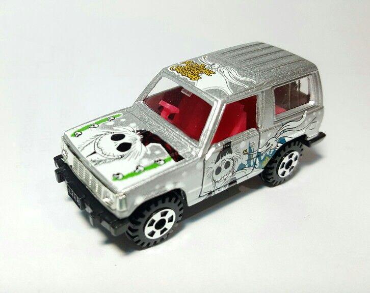 Mitsubishi Pajero - Disney Edition - Nightmare Before Christmas - Takara Tomy - scale 1:60