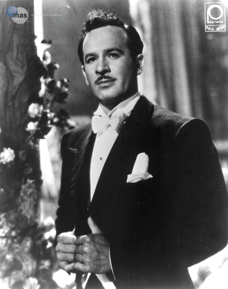 La primera oportunidad de Pedro Infante en el cine fue en Jesusita en Chihuahua 1942.