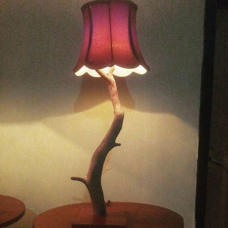Lampu hias kayu laut  Info pemesanan : Hp/wa : 082234821126 Pin : 59f9b4f1 Line : canthink_lamp  #lamp #lampu #lampuhias #lampuunik #lampumeja #lampusudut #lampumurah #lampuminimalis #lampupojok #dekorasi #dekorasirumah #dekorasikamar #dekorasiruangan #dekorasiunik #vintage #kerajinan #kerajinankayu #kerajinanmalang #hadycraft #handmade #wood #woodwork de canthink_lamp