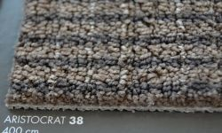Mocheta in dungi maro ARISTOCRAT 38