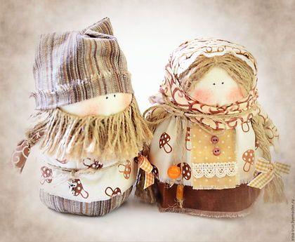 """Обереги, талисманы, амулеты ручной работы. Ярмарка Мастеров - ручная работа. Купить Народные куклы- обереги Богач и Крупеничка """" За грибочками"""". Handmade."""