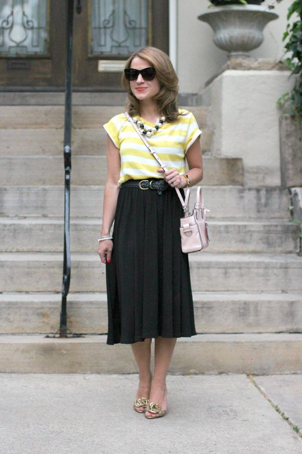 17 Best images about Midi skirt outfits on Pinterest | Flare skirt ...