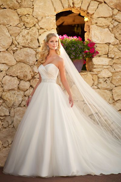Affordable Wedding Dresses - Wedding Gowns Under $1,000 | Wedding Planning, Ideas & Etiquette | Bridal Guide Magazine