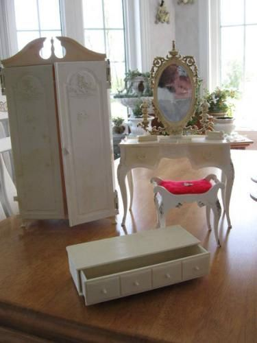 1959 Suzy Goose Barbie Furniture... awww... me and my sisters playing... makes me want to cry... we had this.