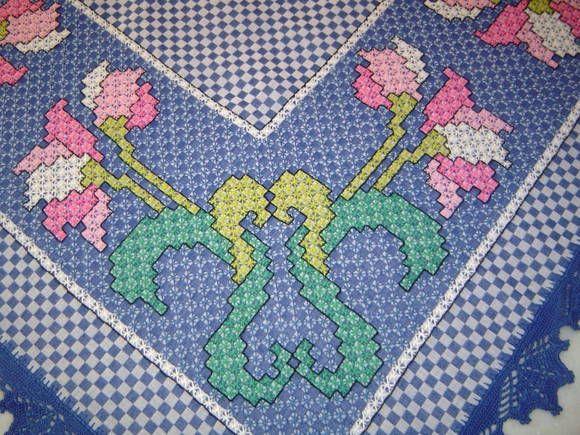 Toalha de Mesa Bordada em tecido xadrez   * Feito Com Carinho *   Elo7